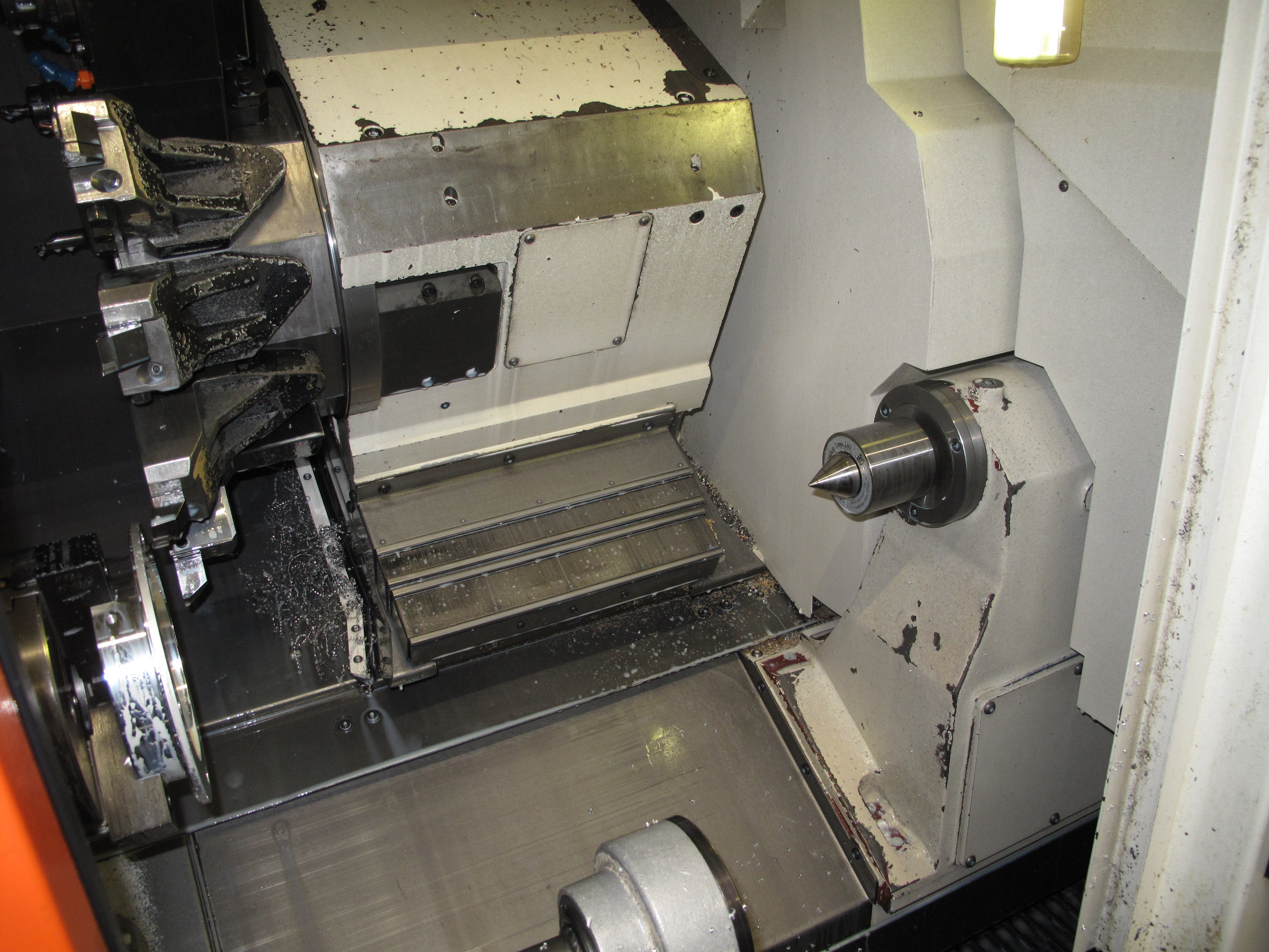 QTNX 200II MY Tailstock and turret
